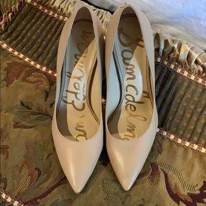 Shoes - Sam Edelman nude pumps
